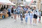 Budzenie Sienkiewki w Kielcach na finiszu. Na deptaku wciąż tłumy [ZDJĘCIA]