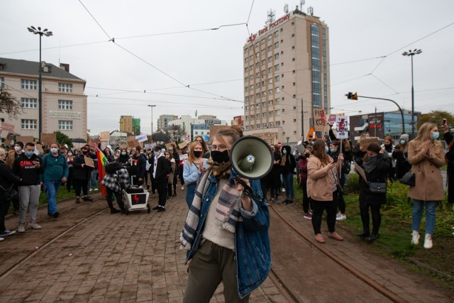 """Ogólnopolski Strajk Kobiet zapowiada protesty w każdy poniedziałek. Jest też mowa o """"strajku generalnym"""""""