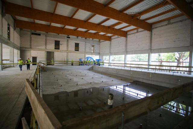 Tak powstaje nowy kompleks basenowy na Brochów
