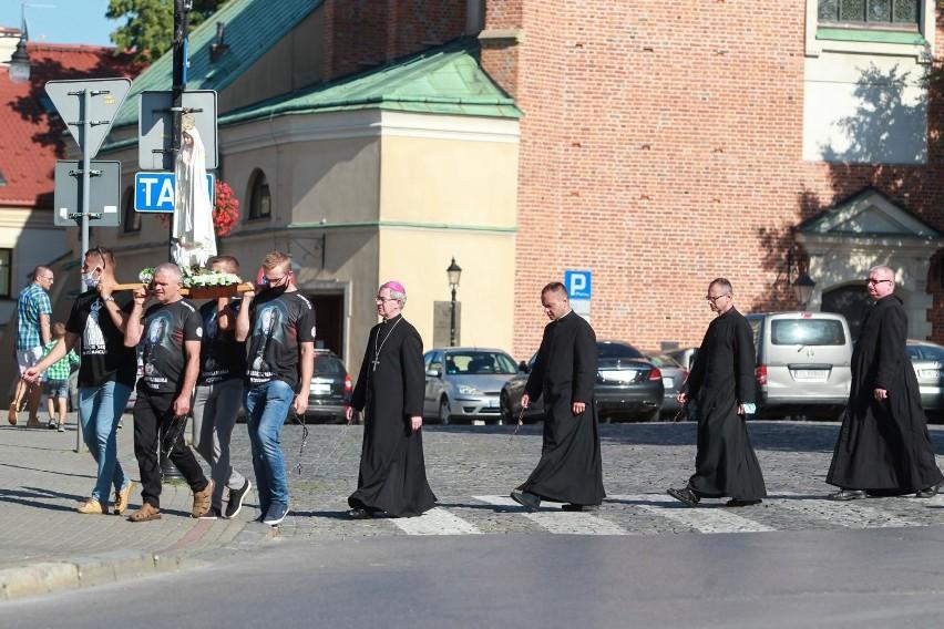 Męski Różaniec organizuje Męska Grupa św. Andrzeja Boboli...