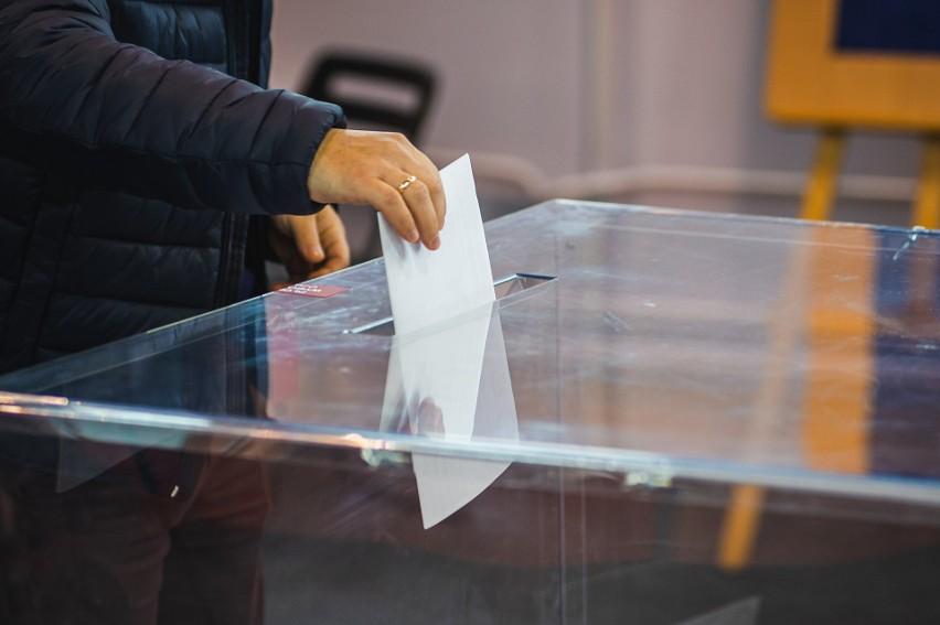 Lokale wyborcze są czynne do godz. 21