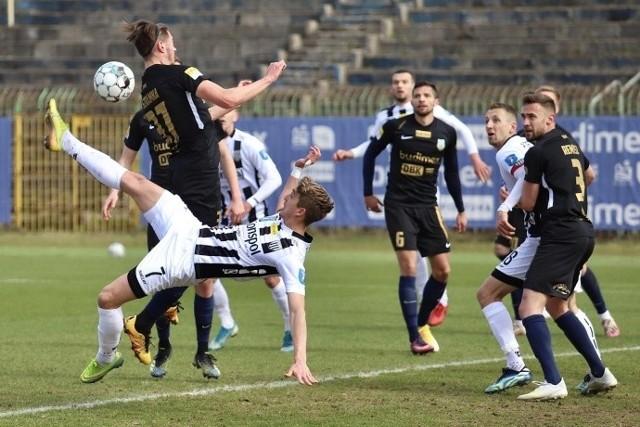 Piłkarze Sandecji szaleją na pierwszoligowych boiskach!