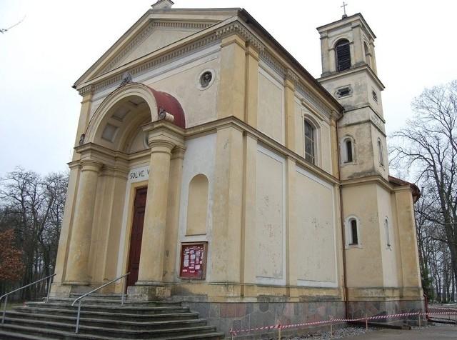 Kościół parafialny w Potulicach, dawna kaplica rodu Potulickich, których szczątki spoczywają w krypcie świątyni, od kilku lat korzysta z wojewódzkich dotacji.