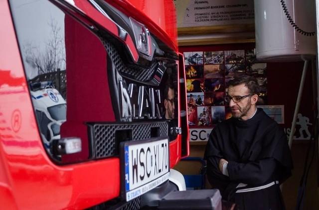 Brat Janusz Kulak, prezes OSP Niepokalanów, jedynej takiej straży pożarnej na świecie