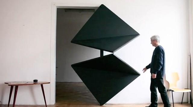 """Evolution Door zaprojektowane przez Klemensa Torgglera""""Sezamie otwórz się"""" czyli niezwykłe drzwi do zwykłego pokoju (WIDEO)"""