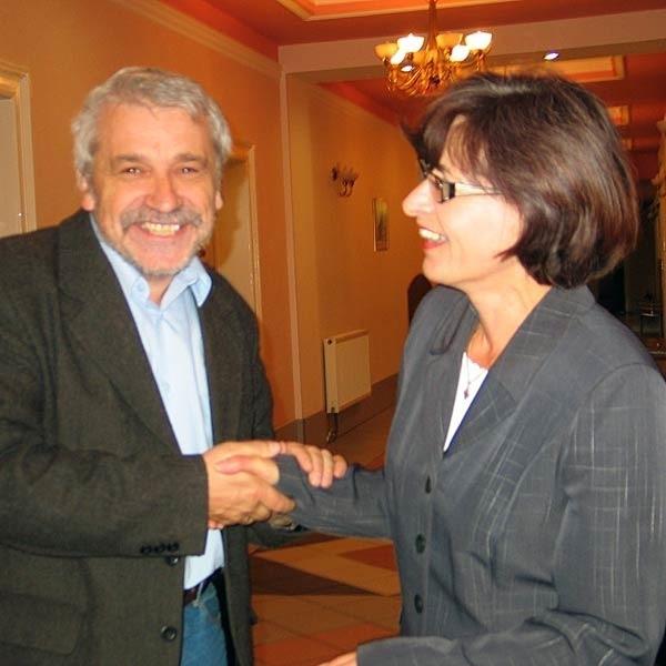 Wiesław Banach, nie kryjąc swojej radości, podziękował Ryszardzie Niemczyk, która przed sądem reprezentowała muzeum.