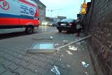 Wypadek na Nadodrzu. Mercedes wjechał na chodnik i staranował przystanek [ZDJĘCIA]