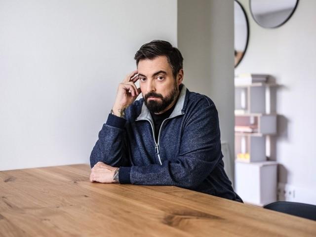 """Tomasz Sekielski, dziennikarz, współautor filmów """"Tylko nie mów nikomu"""" i """"Zabawa w chowanego""""."""