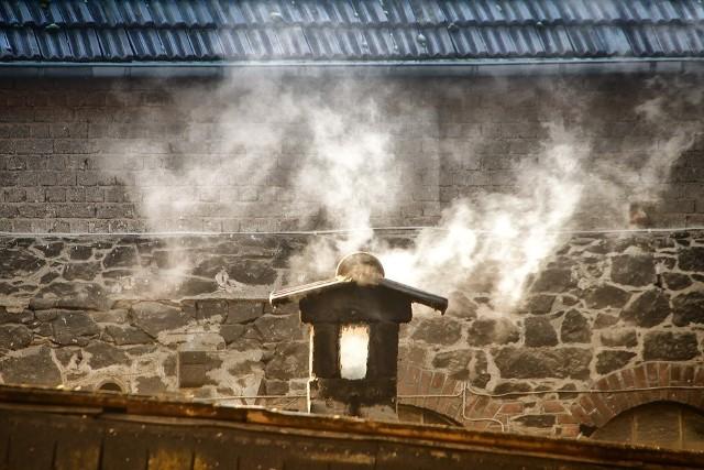 """Program """"Czyste Powietrze"""" ma poprawić jakość powietrza i zmniejszyć emisję gazów cieplarnianych"""
