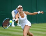 Wimbledon. Magda Linette ograła półfinalistkę Roland Garros i dołączyła do Huberta Hurkacza. Polka w trzeciej rundzie