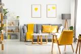 Mały salon ze stołem – jak go urządzić? Ciekawe pomysły na aranżację