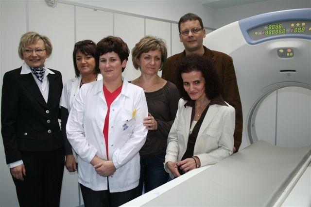 Tomograf będzie obsługiwał zespół dyplomowanych techników elektroradiologów pod kierunkiem doktor Iwony Zielińskiej.