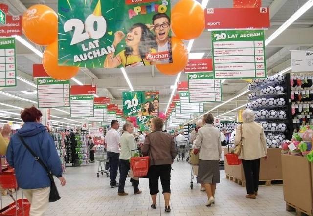 Zdjęcie archiwalne - otwarcie Auchan w Grudziądzu w 2016 roku