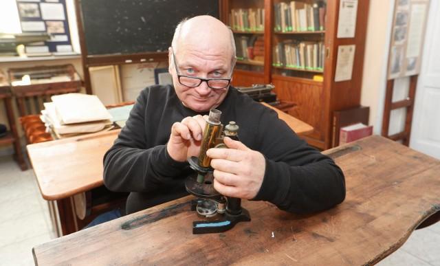 Arkusze z próbnej matury z fizyki przygotował Marek Śmietana, nauczyciel fizyki w I LO w Dębicy