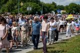 Boże Ciało 2020 - procesja w parafii pw św. Andrzeja Boboli w Starosielcach. Było tłumnie (ZDJĘCIA)