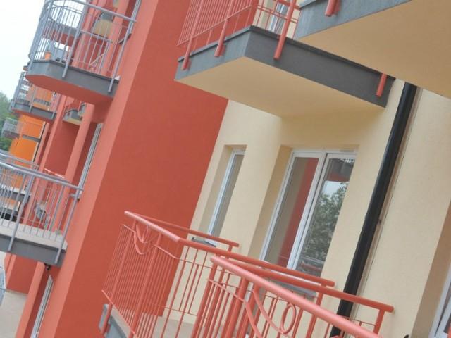 TBS w  ciągu ostatnich lat zbudował tu mini-osiedle pod drugiej stronie obwodnicy,  na os. Żwirki i Wigury -  sześć bloków z 276 mieszkaniami. Teraz będzie budował bliżej centrum miasta.