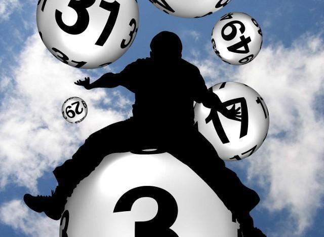 Losowania Lotto i Lotto Plus odbywają się we wtorki, czwartki i soboty o godz. 21.40