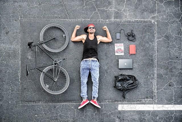 Wiosna tuż-tuż, czas przygotować rowery do sezonu. Gdzie zrobić przegląd, naprawić i odświeżyć swój rower? Oto lista najlepiej ocenianych przez internautów Google serwisów rowerowych we Wrocławiu. Na kolejnych slajdach znajdziecie adresy i numery telefonów, pod którymi możecie umówić się na wizytę i zapytać o ceny. Cytujemy też opinie klientów na temat poszczególnych serwisów zamieszczone w Google. Zobaczcie!