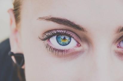 Ogromnie Kolorowe soczewki kontaktowe. Dla kogo? Ile kosztują? Gdzie można OJ67