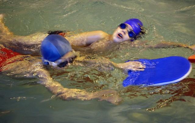 Nie zostanie otwarty Basen Nadwiślański w Grudziądzu, ale za to od poniedziałku popołudniami powszechnie dostępne mają być pływalnie przy szkołach na os. Rządz i Lotnisko