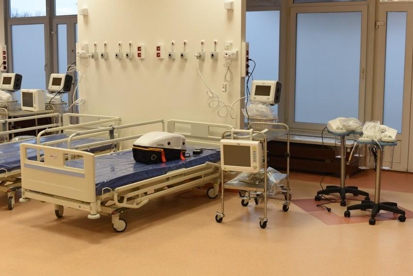 Szpital tymczasowy w budynku sanatorium MSWiA w Sopocie przy...