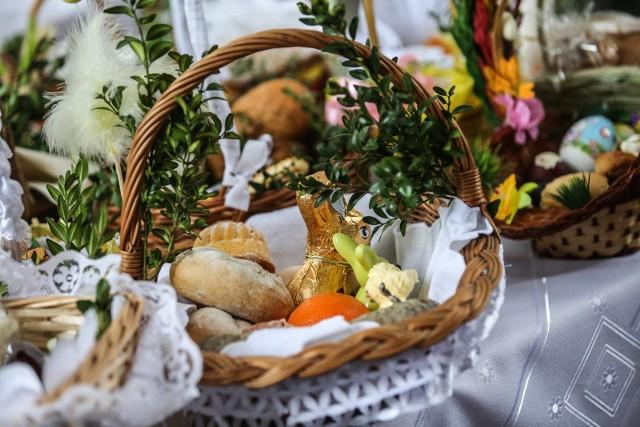 Jak w tym roku poświęcić pokarm w koszyczku wielkanocnym?