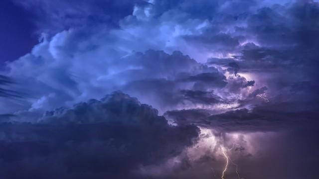 Metrolodzy ostrzegają, że w środę po raz kolejny można się spodziewać burz