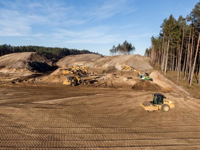 Budowa przekopu mierzei trwa, mimo odwołań od decyzji środowiskowej dla tej inwestycji