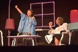 """Lubuski Teatr zagrał w Dąbiu na Lubuskim Lecie Kulturalnym. Na plaży wystawili spektakl """"Szczęściarze"""". Zobaczcie zdjęcia!"""