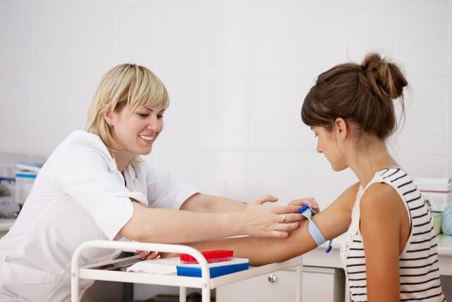 Próby wątrobowe powinny kontrolować kobiety zażywające tabletki antykoncepcyjne