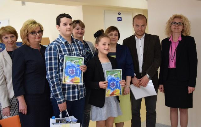 Na konkurs napłynęło kilkadziesiąt praca. Pierwsze miejsce zajął Mateusz Rabski (SP Orzechowce), drugie Milena Gorczyca, trzecie Hanna Duda (SP Drohojów). Wyróżnienia otrzymali Julia Potoczna, Kinga Kościak i Klaudia Łęgowy.