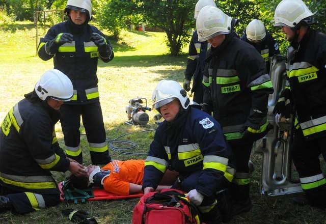 Strażacy ćwiczą po to, by nie popełniać błędów w sytuacjach,...