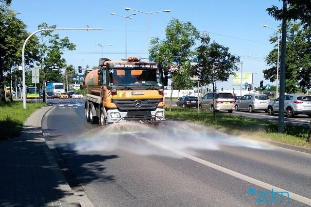 Na ulice Poznania wyjadą polewaczki.