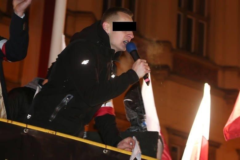 Sąd: nacjonalista obraził Tadeusza Mazowieckiego, ale przestępstwa nie ma, bo były premier nie żyje