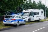 Kradli kampery i inne auta - łącznie nawet 100 samochodów. Zostali zatrzymani przez policję