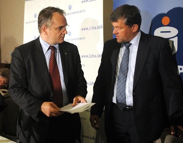 Wicepremier Waldemar Pawlak wziął udział w debacie zorganizowanej przez Dariusza Więcaszka, prezesa Północnej Izby Gospodarczej (z prawej).