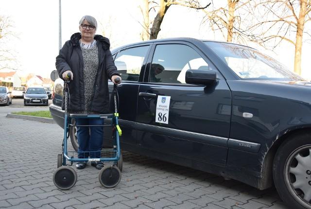 Stefania Nowak jest zadowolona z pomysłu darmowych przewozów. Zachęca innych seniorów do korzystania z niej