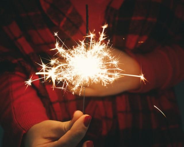 Życzenia noworoczne to jeden z najpiękniejszych elementów sylwestrowego świętowania
