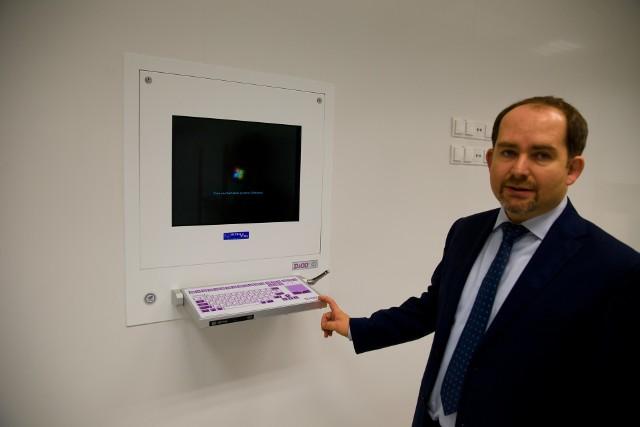 Jarosław Pokoleńczuk od lat jest szefem szpitala w Mońkach