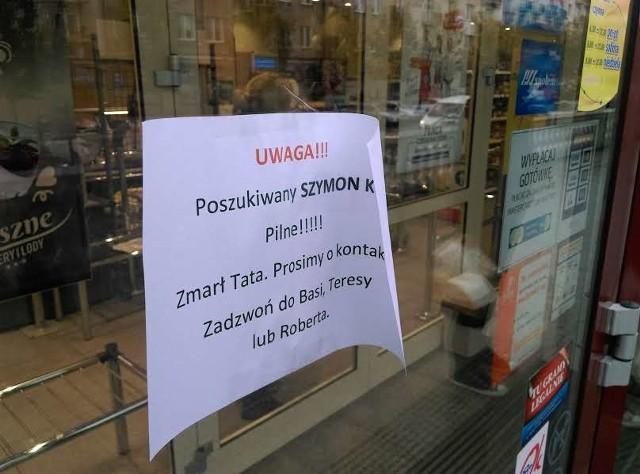 Takie ogłoszenie pojawiło się na drzwiach Delikatesów przy ul. Suraskiej w Białymstoku
