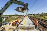 Kolej w Łódzkiem zmienia się dla pasażerów i przewozu towarów