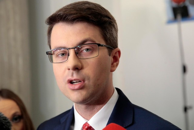 Piotr Muller o TSUE: Wykroczył poza swoje kompetencje w zakresie stwierdzenia nadrzędności prawa europejskiego nad konstytucją