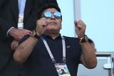 Problemy ze zdrowiem Diego Maradony. Przed kliniką, w której przebywa legendarny piłkarz, zgromadził się tłum kibiców i dziennikarzy