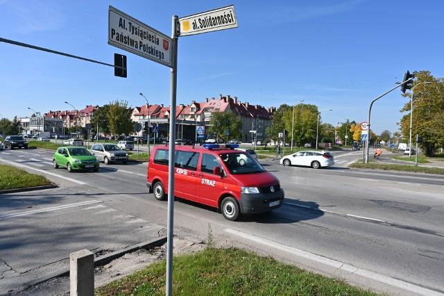 W tym tygodniu rozpocznie się wyczekiwana przebudowa skrzyżowania alei Solidarności  (fragmentu drogi krajowej 73), 1000-lecia Państwa Polskiego i Domaszowskiej. Kierowców czekają poważne utrudnienia. Zmiana organizacji ruchu jest zaplanowana od soboty, 16 października.