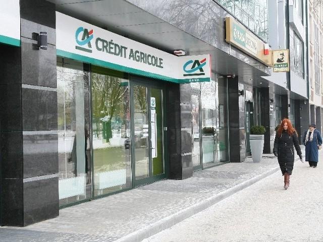 Credit Agricole wprowadził się do nowo wybudowanego budynku Apolloplastu przy ulicy Warszawskiej. W tym samym budynku rozlokowała się też Kasa Stefczyka.4720