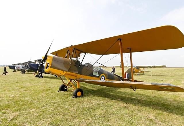 Historyczne samoloty angielskie w JasionceHistoryczne angielskie samoloty międzyladowały w Jasionce. Legendarne Havilandy lecą z Anglii do Sewastopolu, gdzie odbędzie się wielka rekonstrukcja bitwy pod Bałakławą.