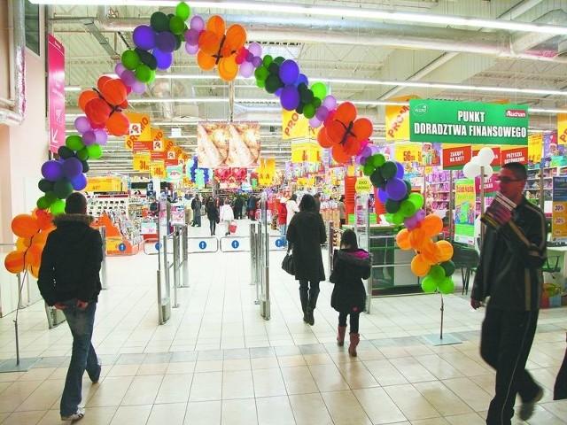 Hipermarket Auchan, jak i inne białostockie galerie, w ostatnich dniach przed świętami przeżywa prawdziwe oblężenie klientów
