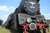 Parowóz z Wolsztyna z zabytkowym składem wagonów odwiedził Łódź i okolice