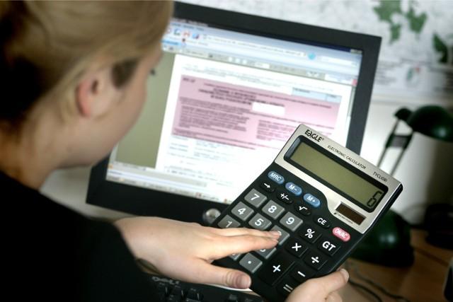 PIT 2020. Nowe ulgi i zwolnienia z podatku. Wprowadzono kilka nowości. Sprawdź, z których ulg podatkowych możesz skorzystać!Zobacz listę ulg podatkowych na kolejnych slajdach >>>