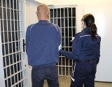 Złapali złodzieja z dyskontu w Wieluniu. Na odsiecz ruszył jego kolega...